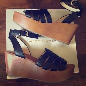 BRAND NEW Marc Fisher platform sandals, sz 9
